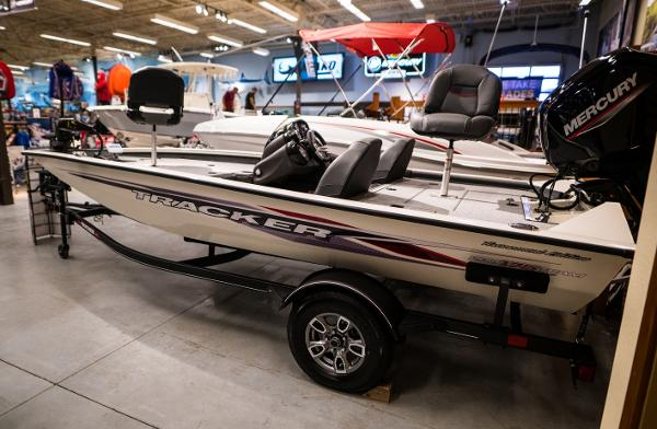 2022 Tracker Boats boat for sale, model of the boat is Pro Team 175 TXW & Image # 6 of 24