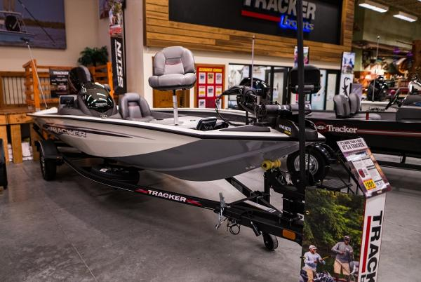 2022 Tracker Boats boat for sale, model of the boat is Pro Team 175 TXW & Image # 1 of 24