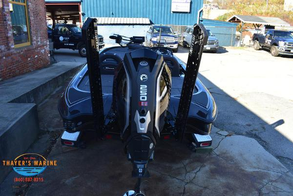 2020 Triton boat for sale, model of the boat is 21 TRX & Image # 6 of 40