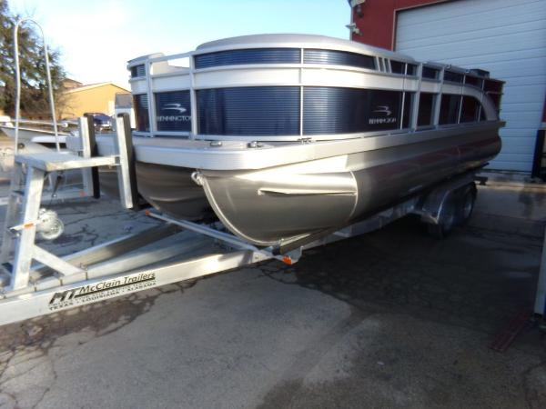 2021 BENNINGTON 22 S Stern Fishing