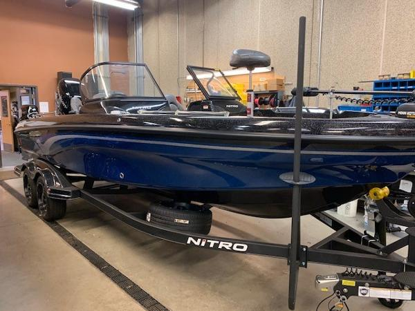 2020 Nitro boat for sale, model of the boat is ZV21 Pro & Image # 1 of 9