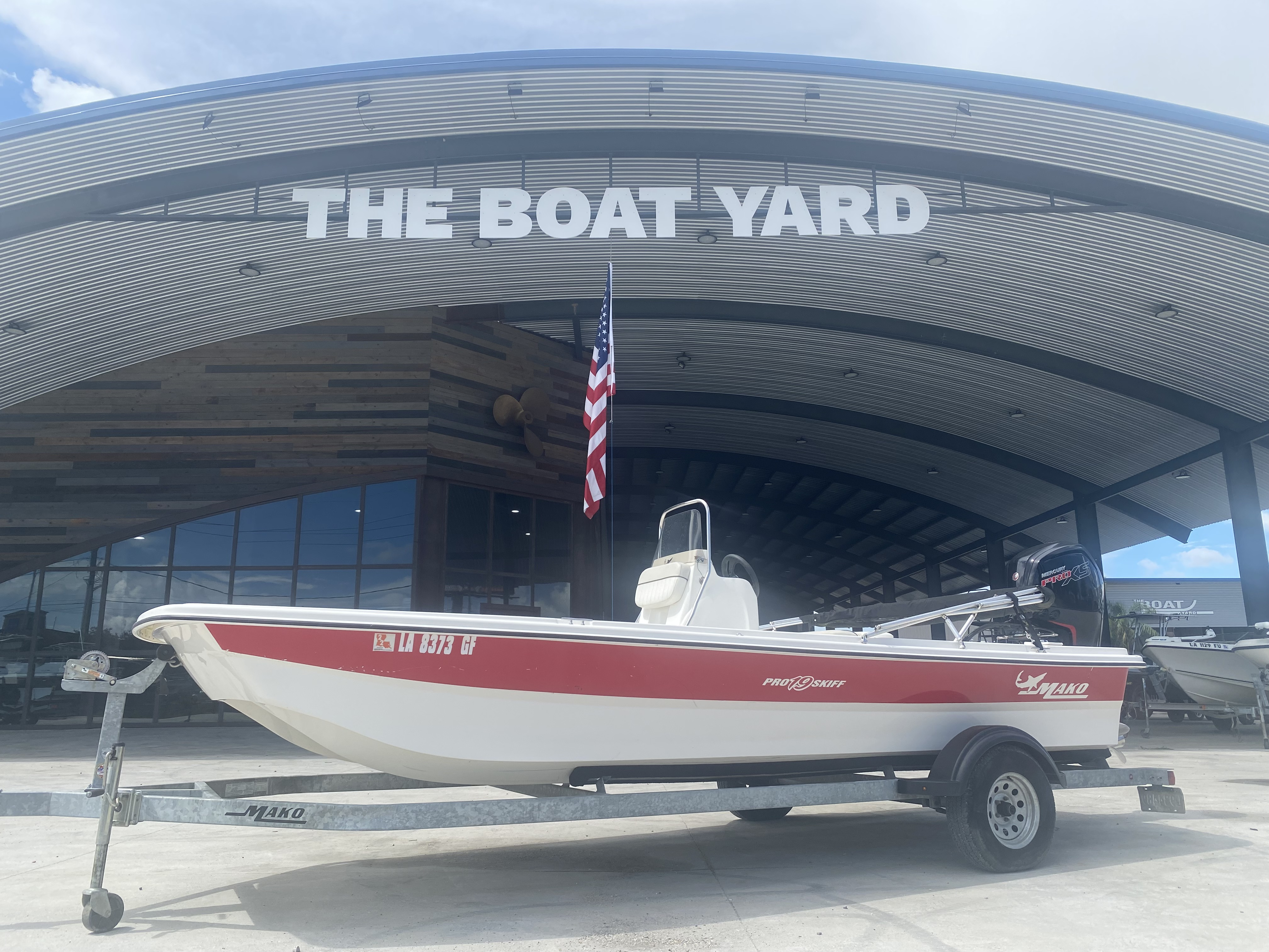 2017 Mako boat for sale, model of the boat is Pro Skiff 19 CC & Image # 1 of 13