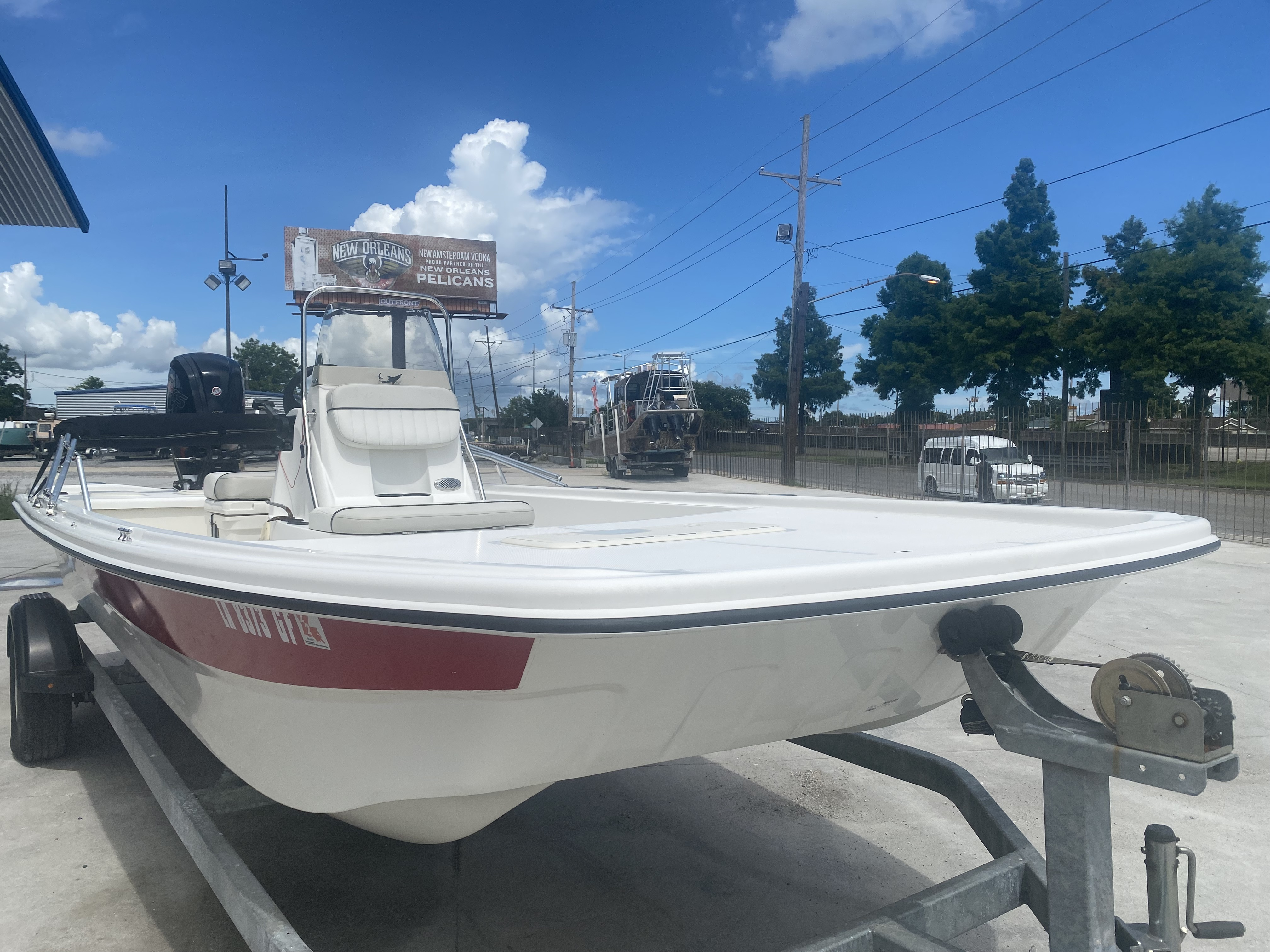 2017 Mako boat for sale, model of the boat is Pro Skiff 19 CC & Image # 2 of 13