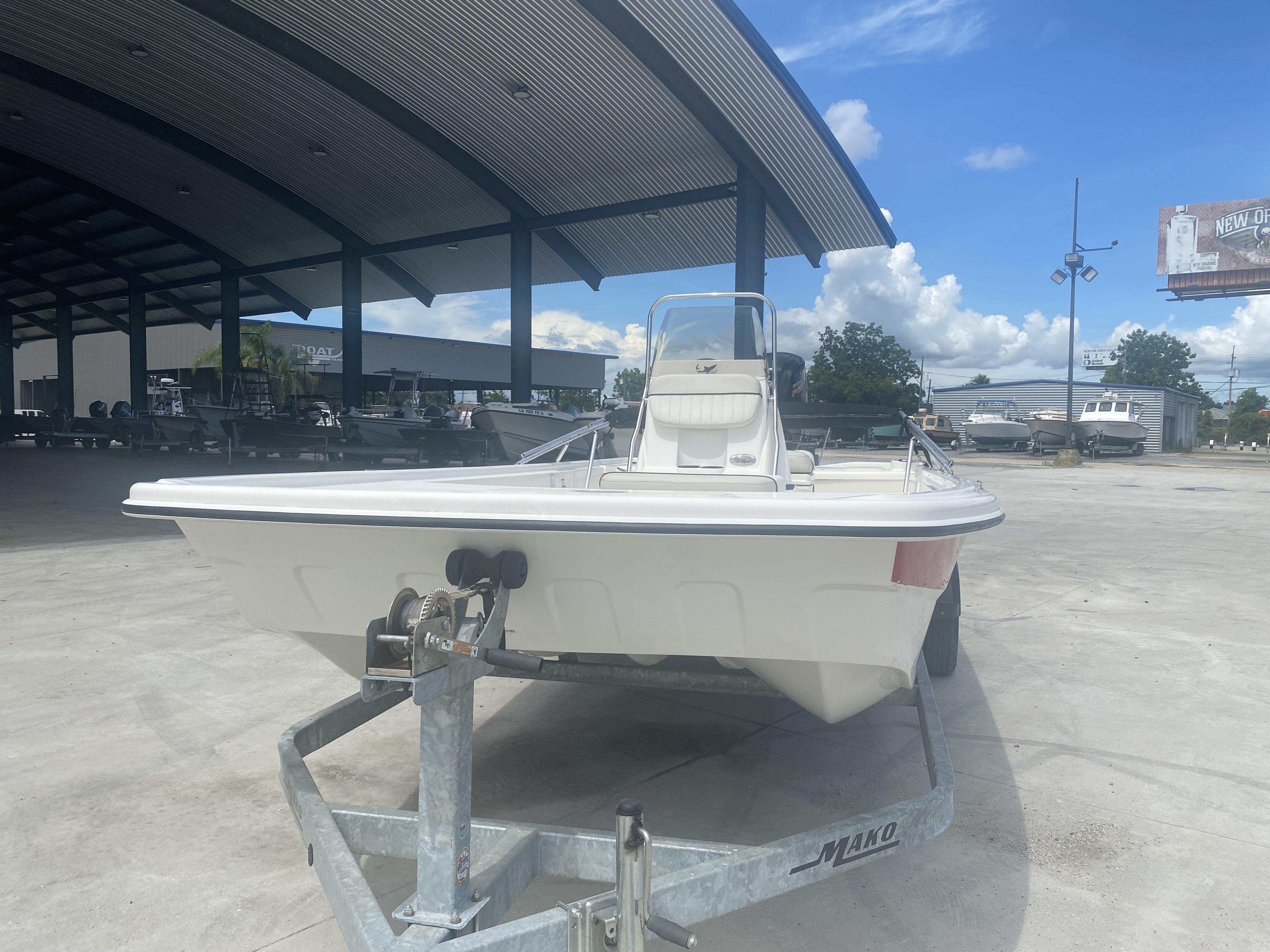 2017 Mako boat for sale, model of the boat is Pro Skiff 19 CC & Image # 6 of 13