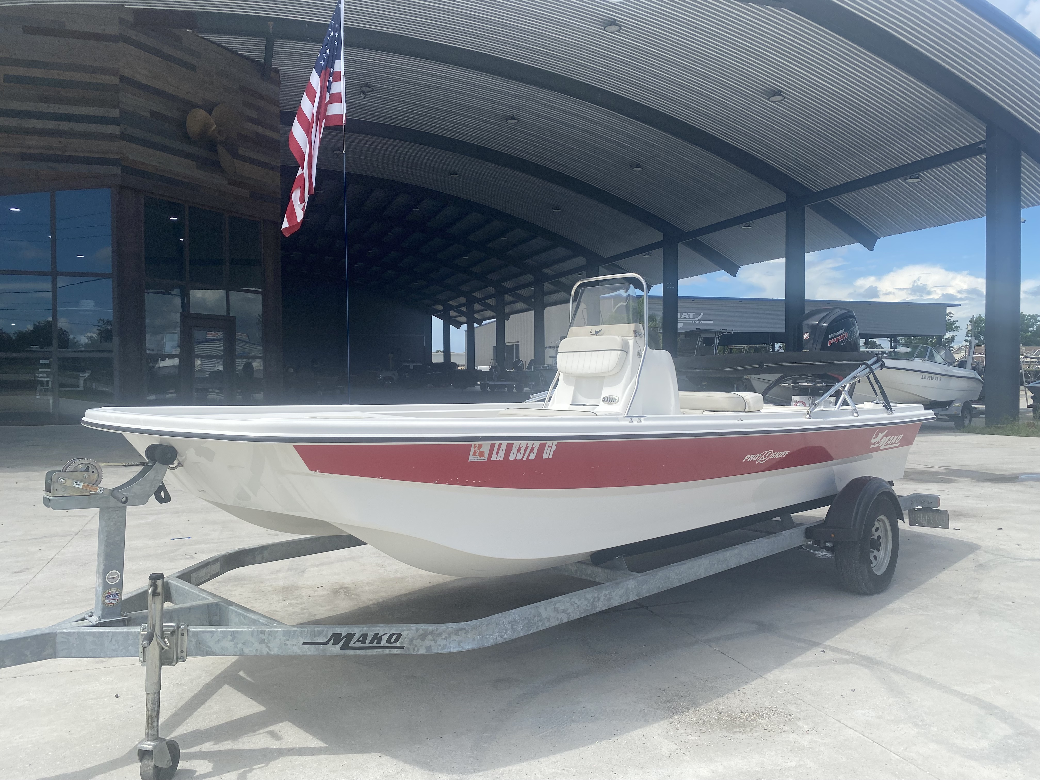 2017 Mako boat for sale, model of the boat is Pro Skiff 19 CC & Image # 11 of 13