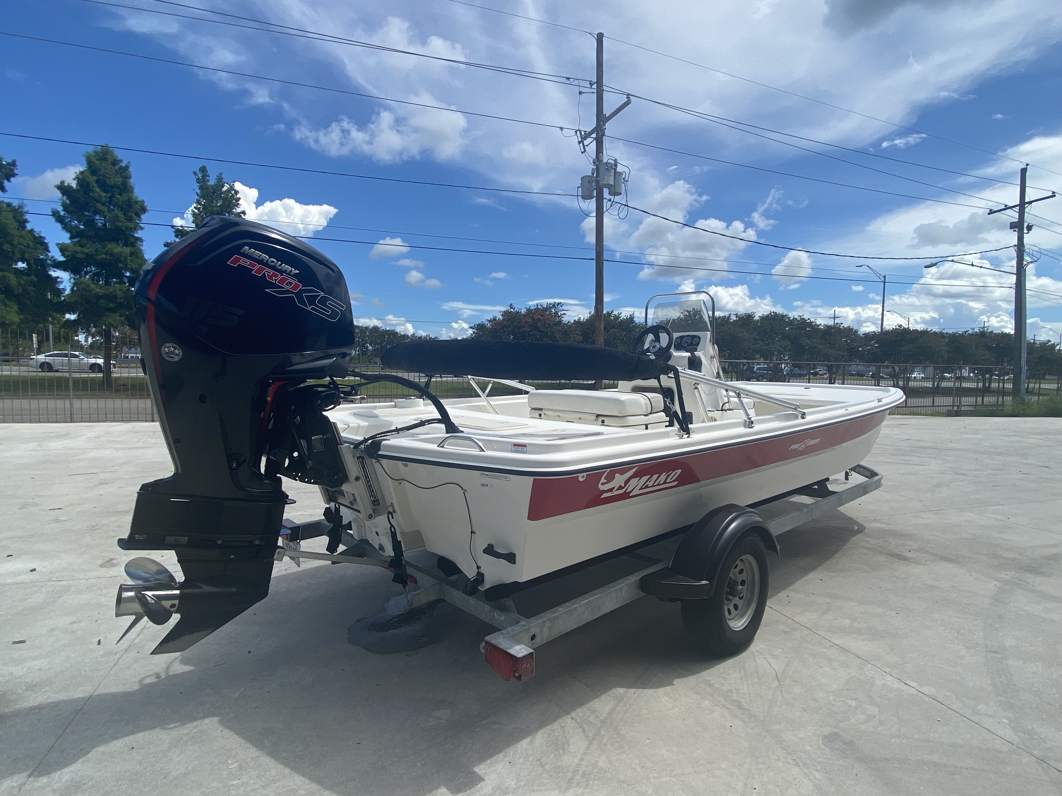 2017 Mako boat for sale, model of the boat is Pro Skiff 19 CC & Image # 8 of 13