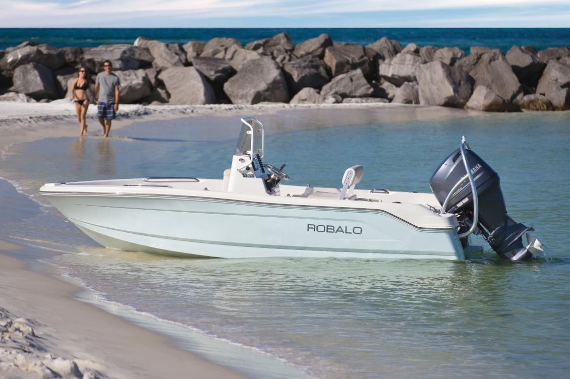 Robalo R160 Center Console 2021 5