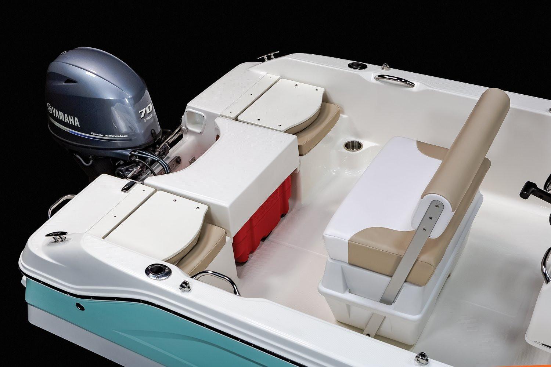 Robalo R160 Center Console 2021 10