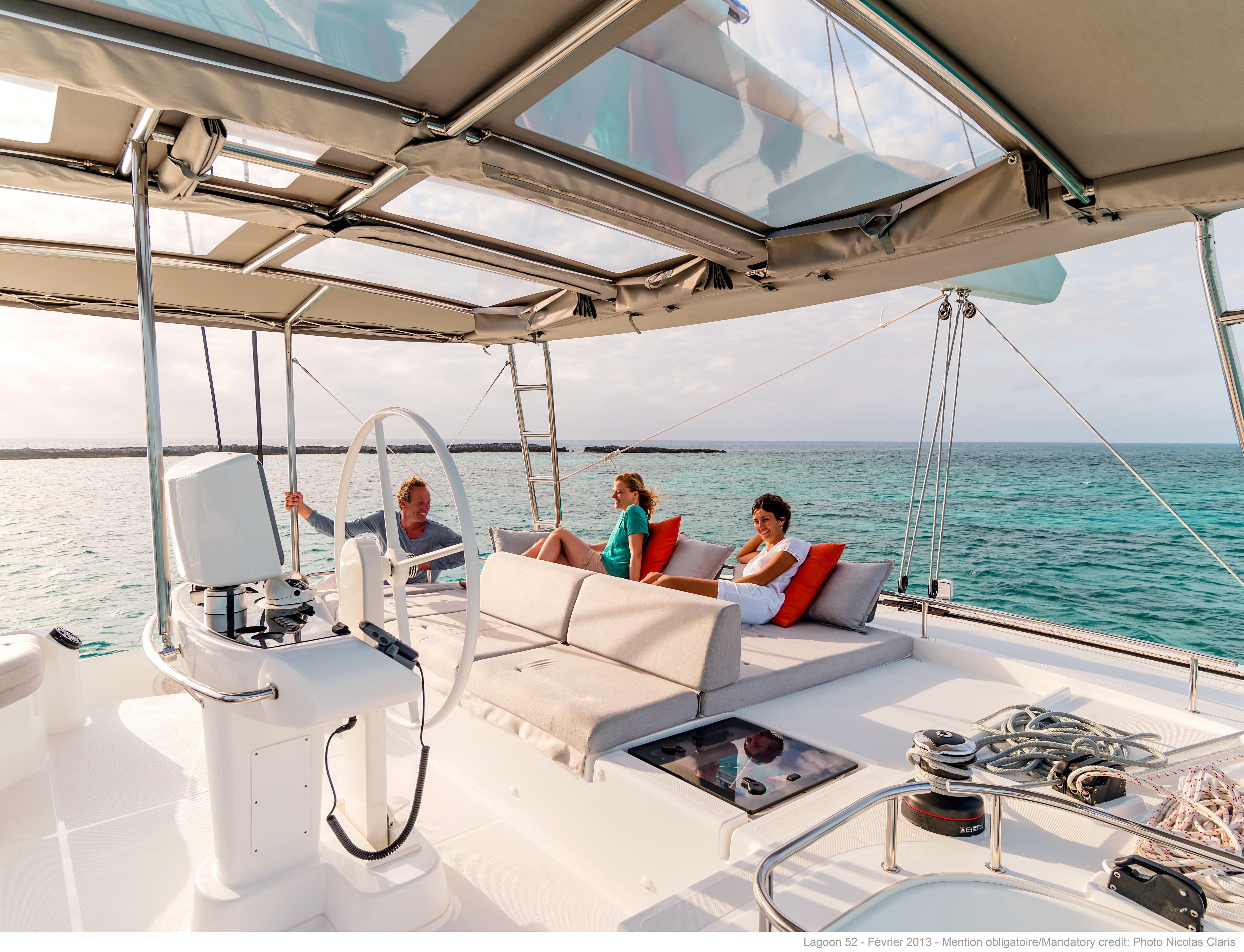 helloManufacturer Provided Image: Lagoon 52 F Flybridge