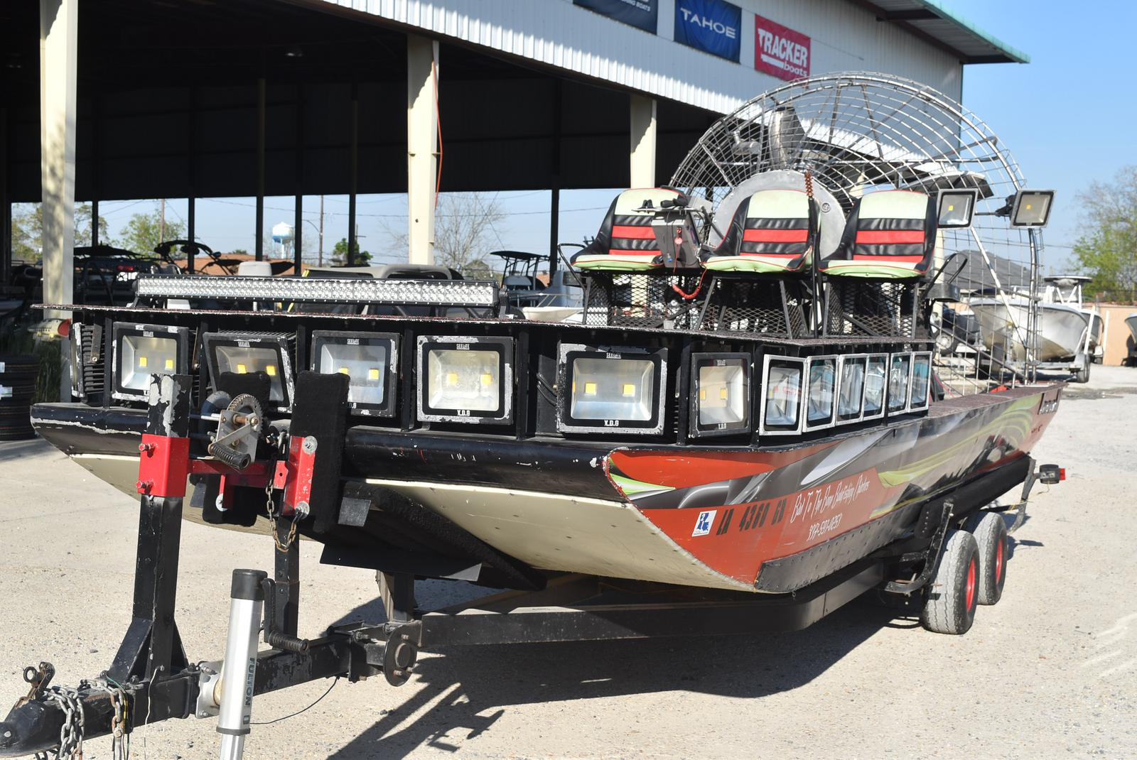 2016 Diamondback boat for sale, model of the boat is Trailboss 20 & Image # 24 of 35