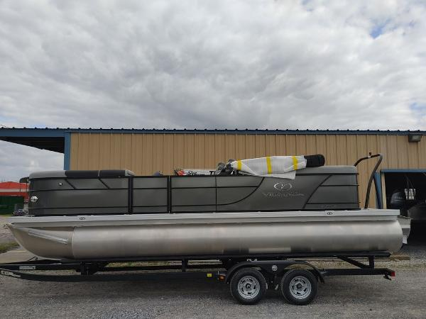 2021 Veranda boat for sale, model of the boat is VR22RC Package Tri-Toon & Image # 1 of 30