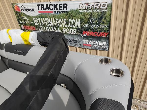 2021 Veranda boat for sale, model of the boat is VR22RC Package Tri-Toon & Image # 20 of 30
