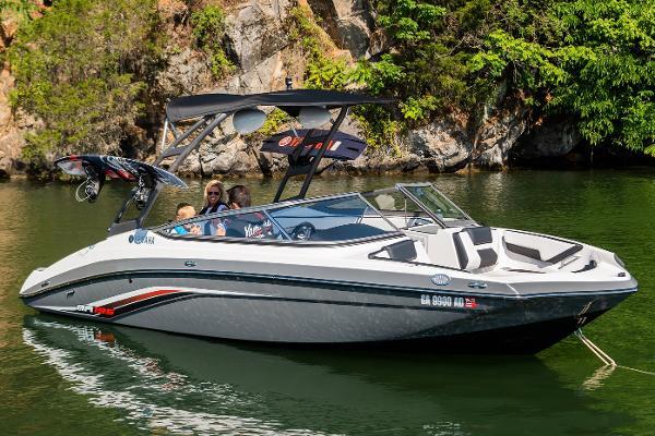 2019 Yamaha Boats AR195 thumbnail