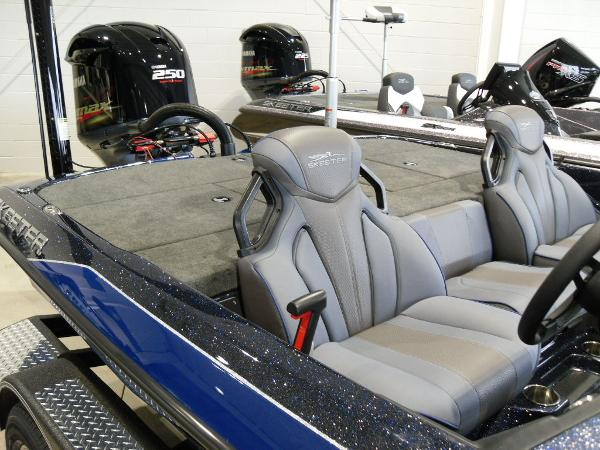 2021 Skeeter boat for sale, model of the boat is ZXR 21 & Image # 5 of 26