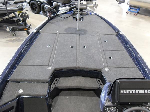 2021 Skeeter boat for sale, model of the boat is ZXR 21 & Image # 7 of 26
