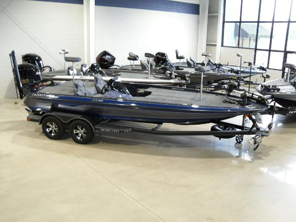 2021 Skeeter boat for sale, model of the boat is ZXR 21 & Image # 9 of 26