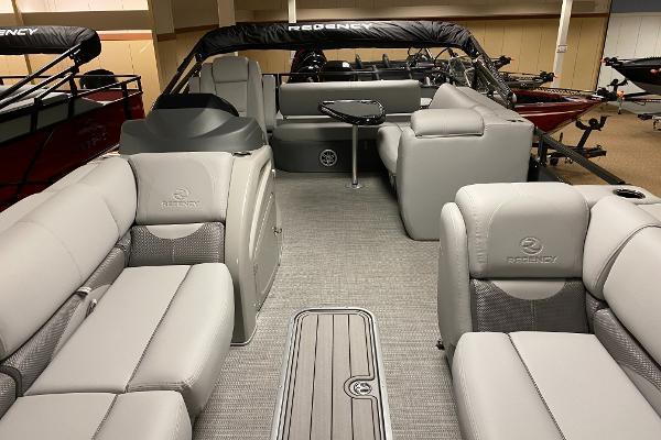 2021 Regency boat for sale, model of the boat is 250 DL3 & Image # 5 of 12
