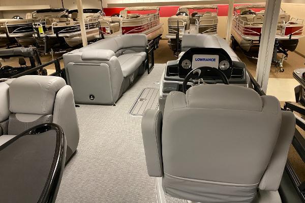 2021 Regency boat for sale, model of the boat is 250 DL3 & Image # 6 of 12