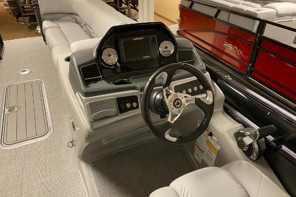 2021 Regency boat for sale, model of the boat is 250 DL3 & Image # 10 of 12