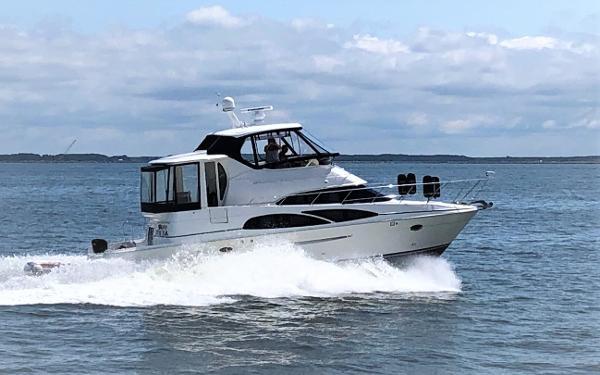 2007 Carver 45 Cockpit Motor Yacht