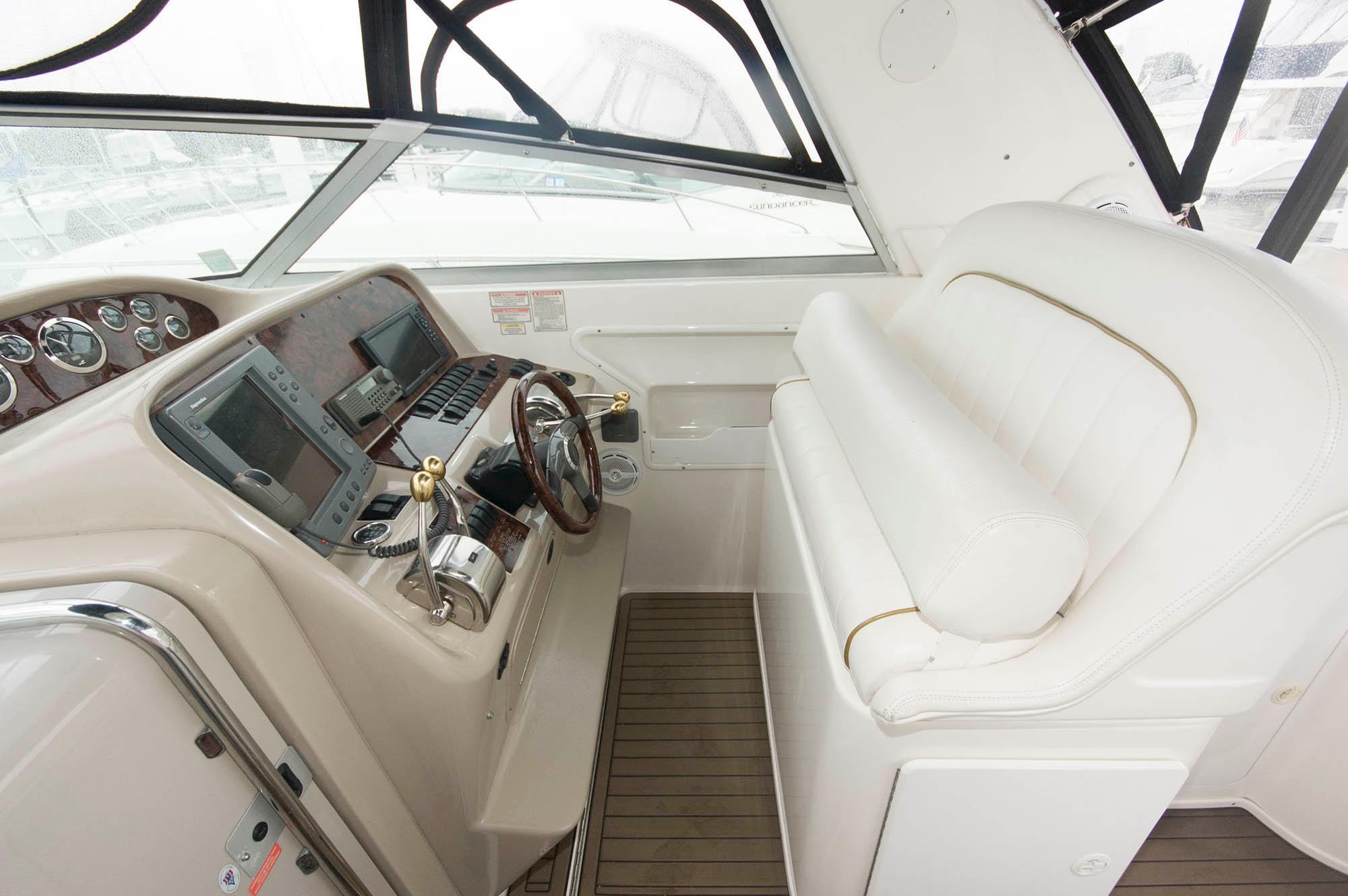 M 5628 KB Knot 10 Yacht Sales