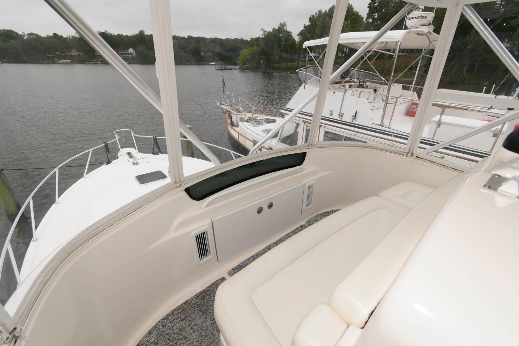 M 6582 KB Knot 10 Yacht Sales