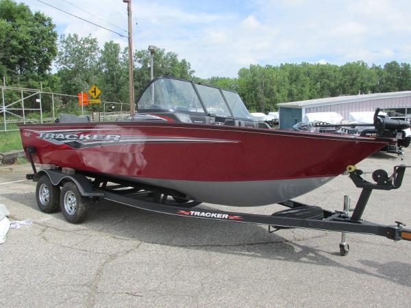 2021 Tracker Boats boat for sale, model of the boat is Targa V-19 Combo & Image # 2 of 25