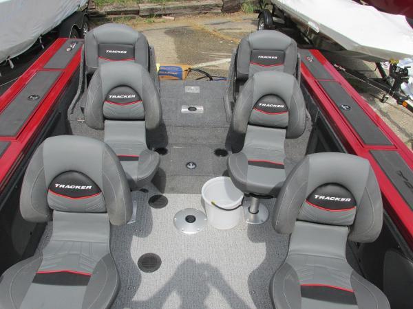 2021 Tracker Boats boat for sale, model of the boat is Targa V-19 Combo & Image # 13 of 25