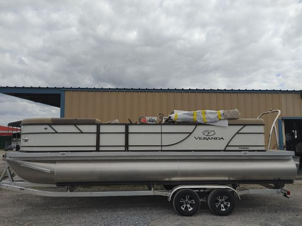 2021 Veranda boat for sale, model of the boat is VR22RC Package Tri-Toon & Image # 1 of 19