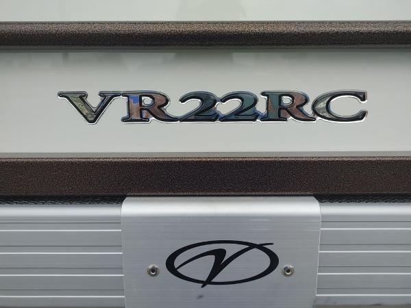2021 Veranda boat for sale, model of the boat is VR22RC Package Tri-Toon & Image # 16 of 19