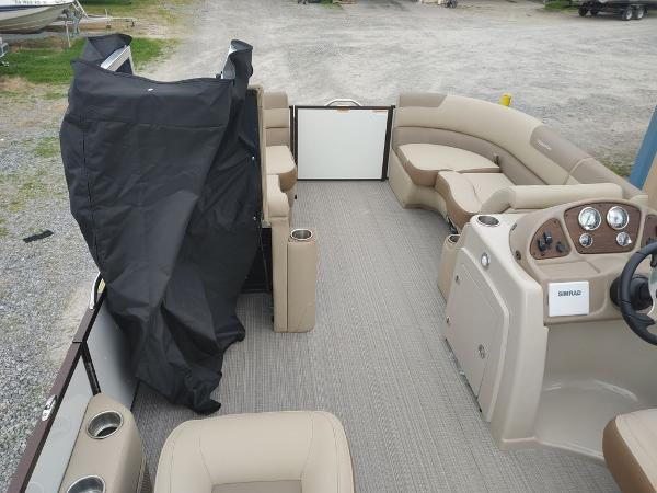 2021 Veranda boat for sale, model of the boat is VR22RC Package Tri-Toon & Image # 17 of 19