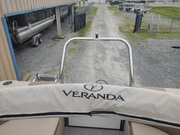 2021 Veranda boat for sale, model of the boat is VR22RC Package Tri-Toon & Image # 19 of 19