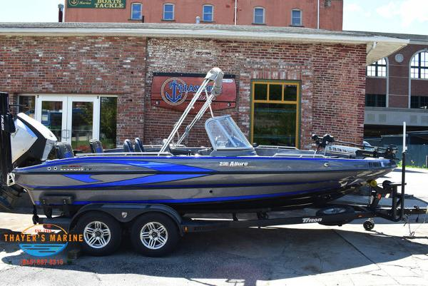 2017 Triton boat for sale, model of the boat is 206 Allure & Image # 3 of 46