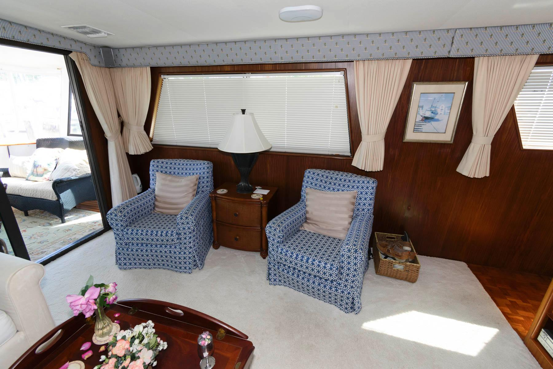 M 6100 RD Knot 10 Yacht Sales