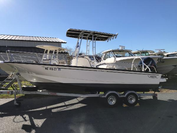2018 Boston Whaler 210 Montauk
