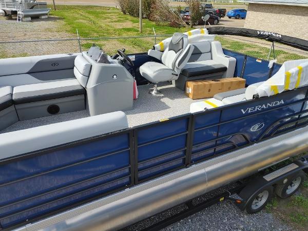 2021 Veranda boat for sale, model of the boat is VIST20RC Bi-Toon & Image # 2 of 10