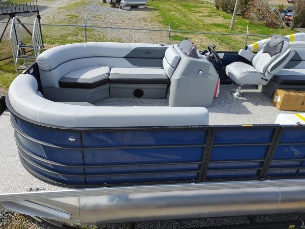 2021 Veranda boat for sale, model of the boat is VIST20RC Bi-Toon & Image # 4 of 10
