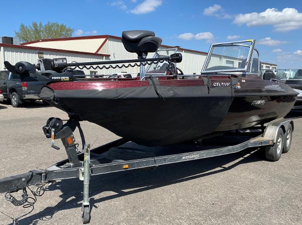2017 Stratos boat for sale, model of the boat is 326 XF & Image # 1 of 14
