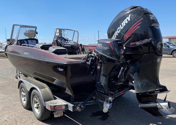 2017 Stratos boat for sale, model of the boat is 326 XF & Image # 3 of 14