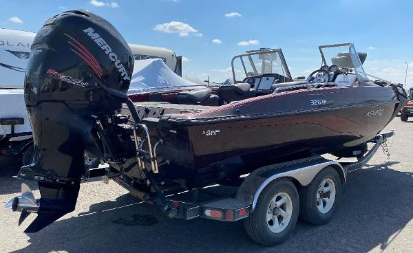 2017 Stratos boat for sale, model of the boat is 326 XF & Image # 4 of 14