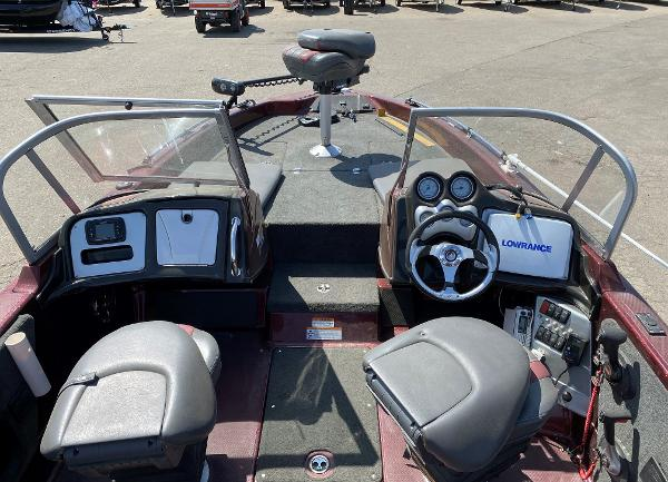 2017 Stratos boat for sale, model of the boat is 326 XF & Image # 6 of 14