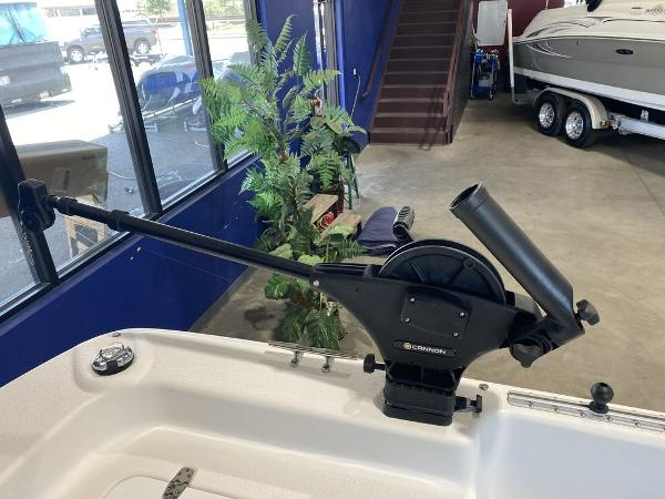 2016 Carolina Skiff boat for sale, model of the boat is DLX Series 21 & Image # 18 of 19