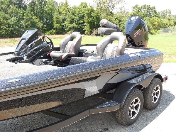 2021 Nitro boat for sale, model of the boat is Z19 & Image # 31 of 35