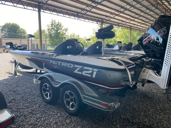 2020 Nitro boat for sale, model of the boat is Z21 & Image # 2 of 10