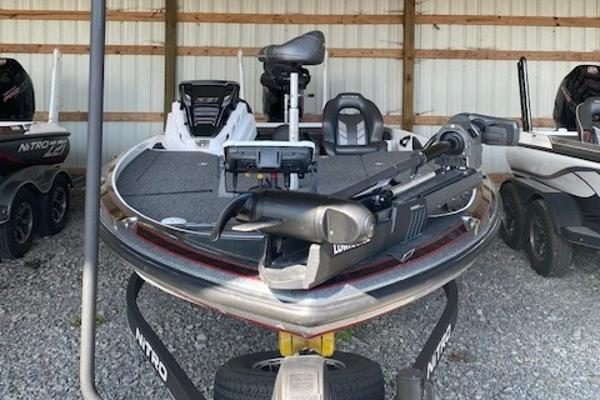 2020 Nitro boat for sale, model of the boat is Z21 & Image # 5 of 10