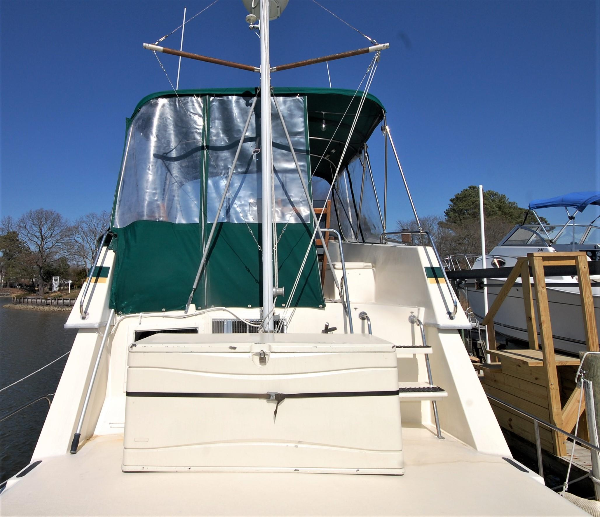 V 6005 SS Knot 10 Yacht Sales