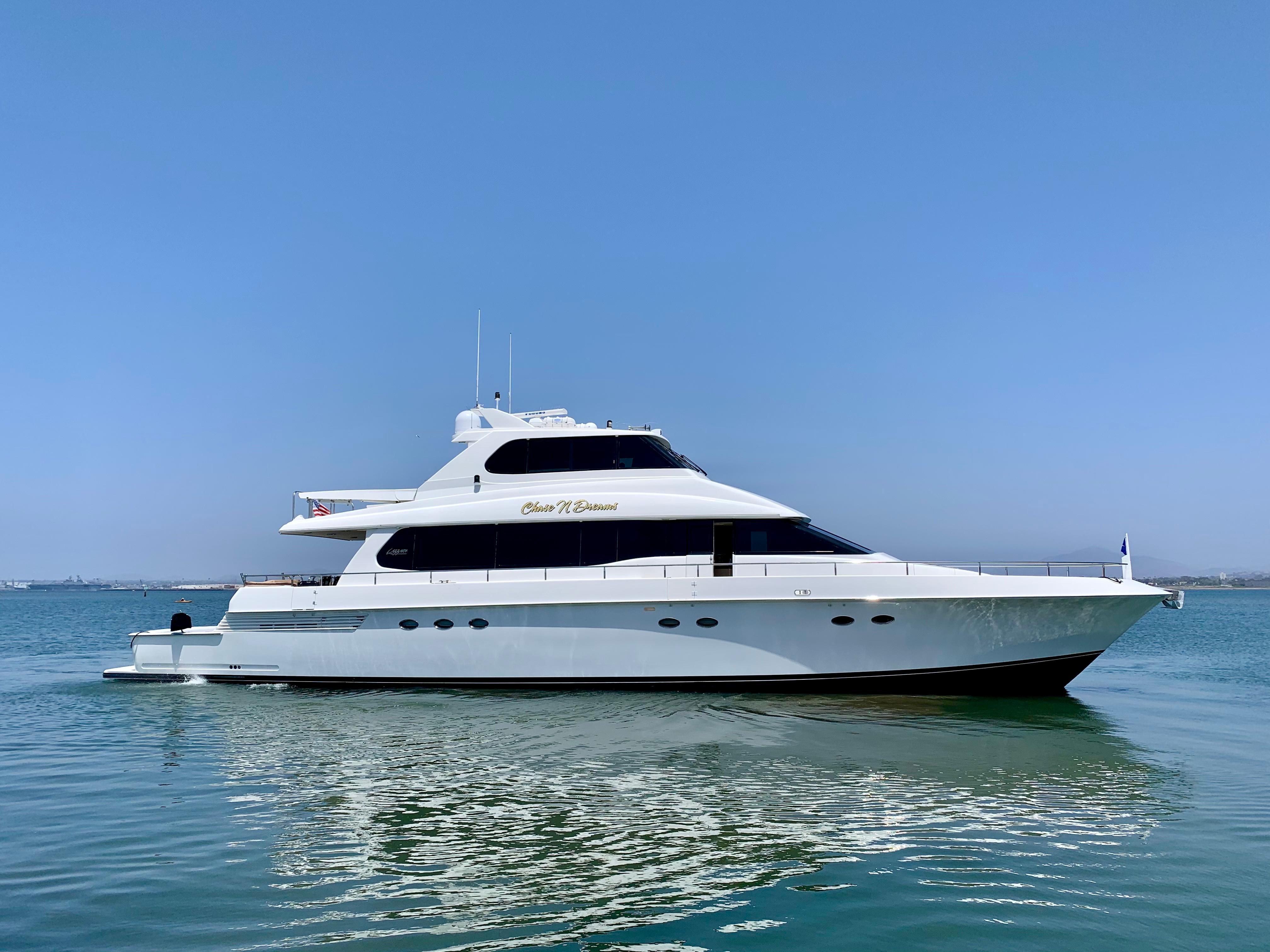 1997 Lazzara Yachts Skylounge
