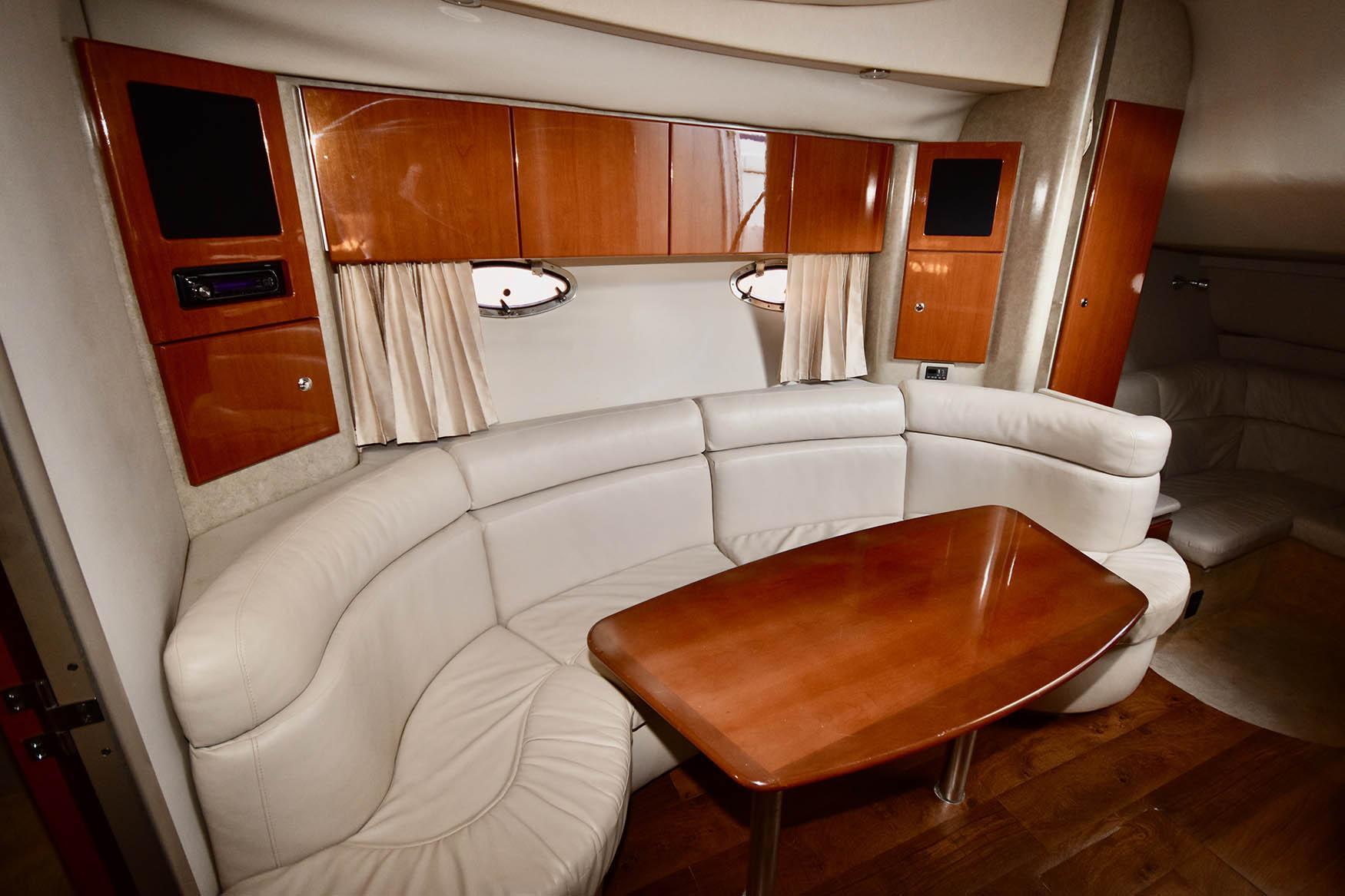 NY 5624 KM Knot 10 Yacht Sales