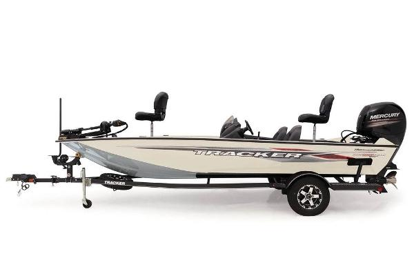 2021 Tracker Boats boat for sale, model of the boat is Pro Team™ 195 TXW Tournament Ed. & Image # 1 of 36