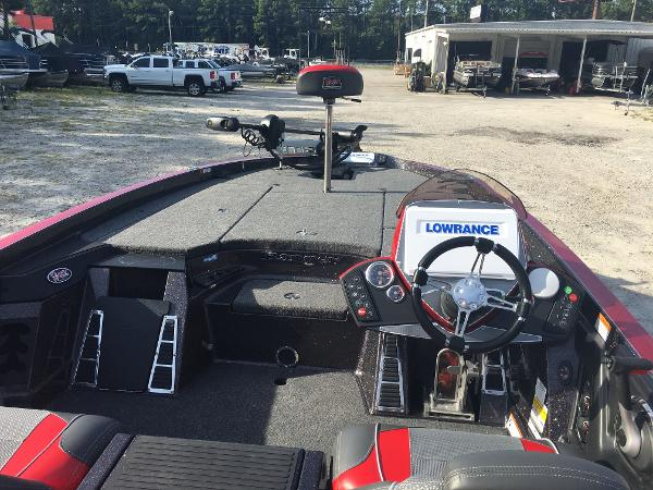 2020 Ranger Boats boat for sale, model of the boat is Z520 C & Image # 9 of 26